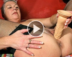 squirting mature slut